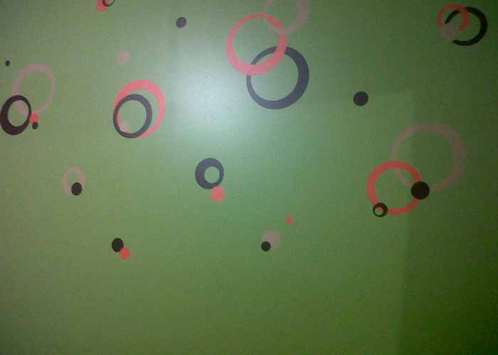 wall-decal-circles-on-green-wallextension-pg.jpg