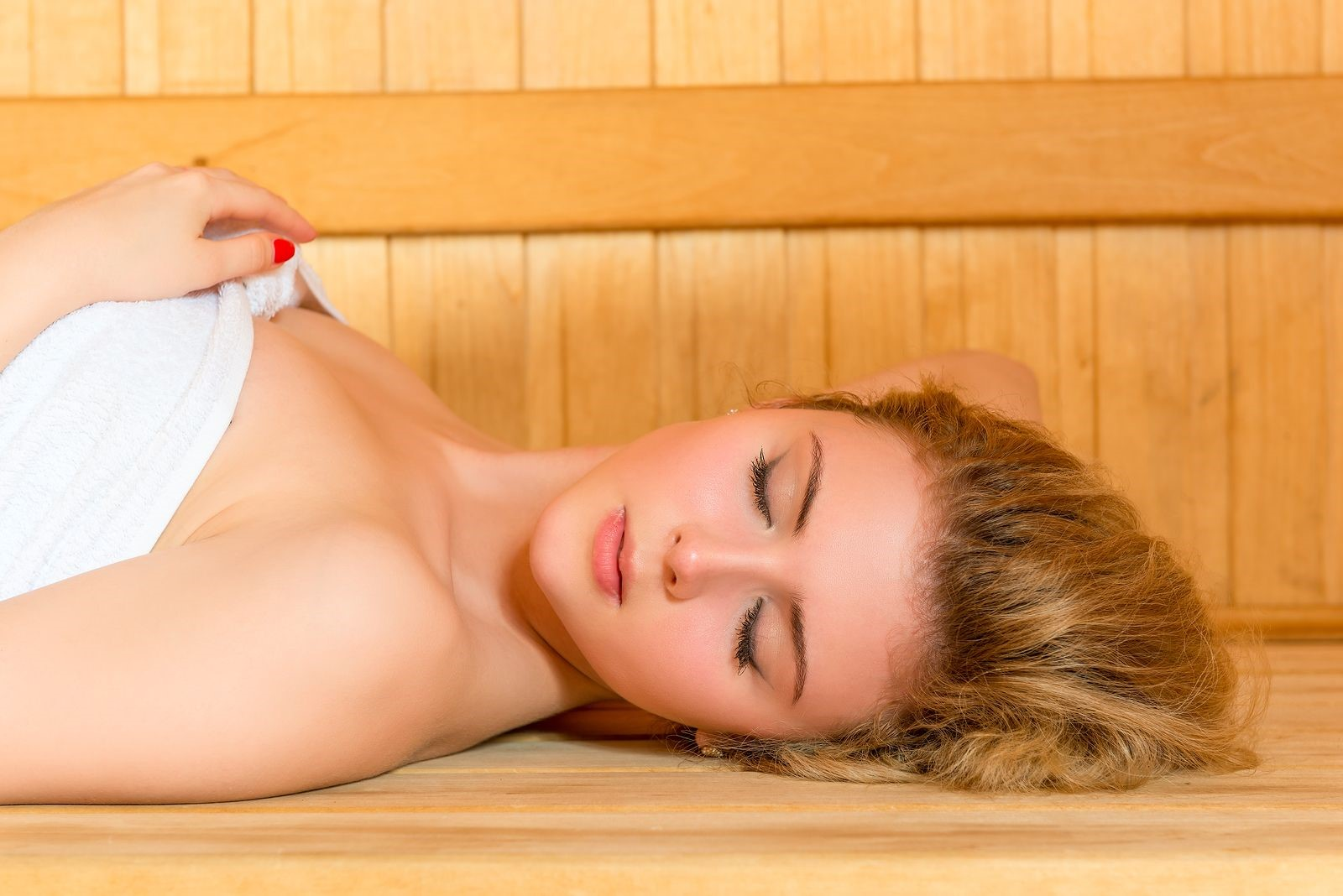 Far-Infrared Sauna with Low EMF: Does Low EMF Mean It Is Safe to Use?