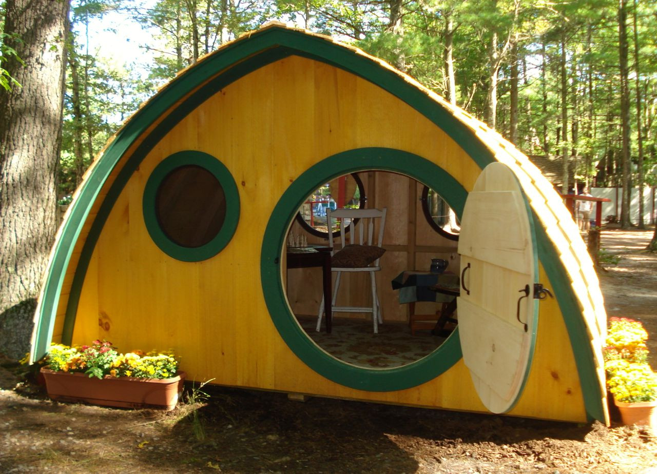 wooden hobbit hole chicken coop and duck house for 8 birds big merry hobbit hole