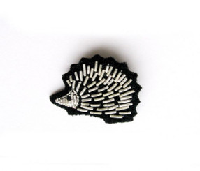 MACON & LESQUOY SMALL HEDGEHOG PIN (SILVER)
