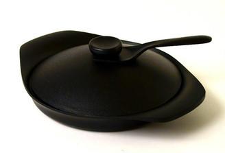 NAMBU IRON GRILL PAN (with lid and handle) designed by Sori Yanagi