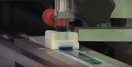 Extrusion Die and Substrate used with the Grease Thief Sampling Device in the Grease Thief Analyzer