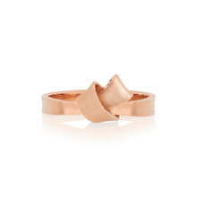 Mini Knot Ring in Rose Gold