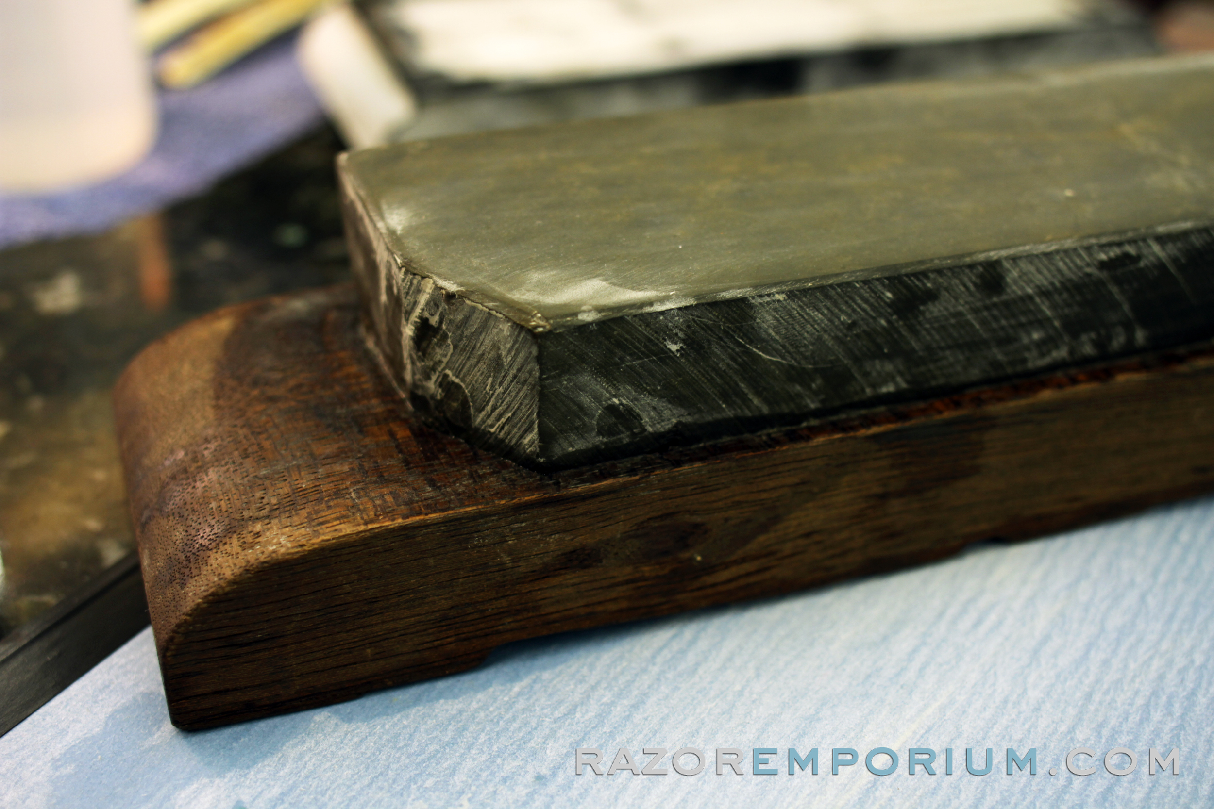 How to hone a straight razor step 1 prep razor emporium for How to hone marble