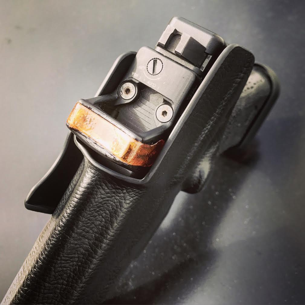 glock-17-rmr-iwb-holster-4.original.jpg