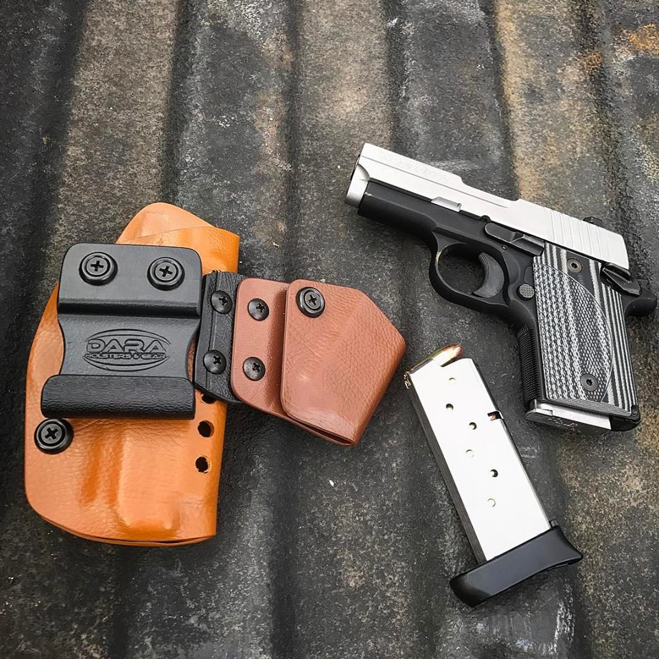 Appendix AIWB Holster with Mag Carrier