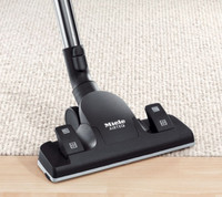 MIELE SBD 650-3 AIRTEQ COMBINATION, With streamlined airflow for uninterrupted floor contact, superior cleaning results and minimum energy use. Ideal for all smooth flooring and low-pile carpeting. For use with S2000-8000 series canister vacuums.
