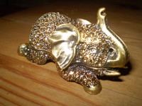 Stunning Little Crystal Elephant Trinket Gift Jewellery Box.