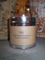Gorgeous Cornish scented candle tin based on the light floral fragrence of mimosa