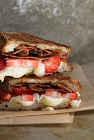 Brie, Bacon and Strawberry Grilled Cheese Sandwich - (Free Recipe below)