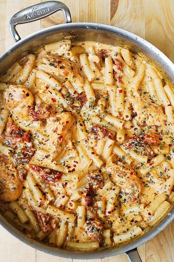 Chicken Mozzarella Pasta With Sun Dried Tomatoes Free