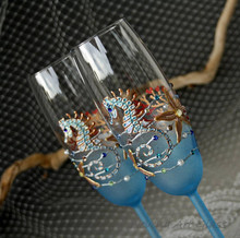Beach Wedding Champagne Flutes /Glasses, Seahorse Glasses Blue, Hand Painted, Set of 2