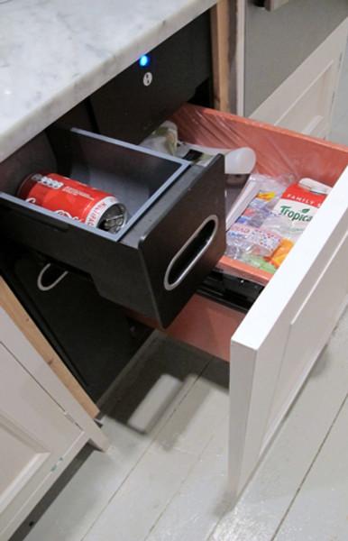 krushr 21 inch trash compactor