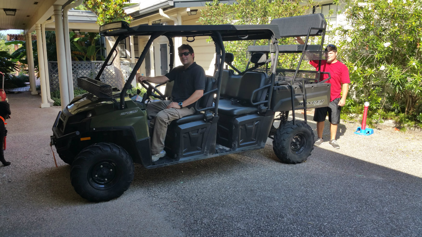 polaris-ranger-800-crew-with-high-seat-and-front-roll-bar-basket.jpg