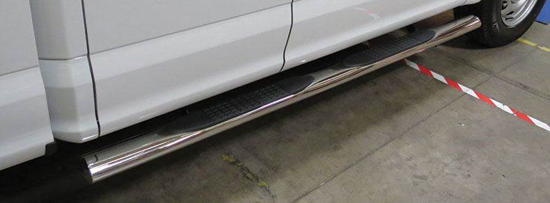 t83-4in-oval-step-bar-111215.jpg