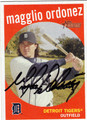 MAGGLIO ORDONEZ AUTOGRAPHED BASEBALL CARD #101211B