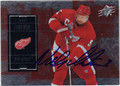 NICKLAS LIDSTROM AUTOGRAPHED HOCKEY CARD #112611Q