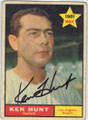 KEN HUNT LOS ANGELES ANGELS AUTOGRAPHED VINTAGE ROOKIE BASEBALL CARD #22214Q