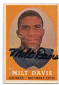 MILT DAVIS BALTIMORE COLTS AUTOGRAPHED VINTAGE ROOKIE FOOTBALL CARD #21916C
