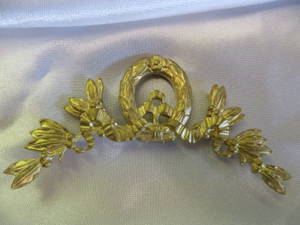 Becker Ornamental Crest