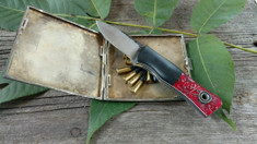Fiddleback Forge - Esquire - Red Shrapnel with Black Bolster -  White Liners - 01 Tool Steel