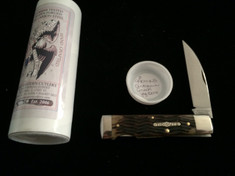 Tidioute  -  Wall Street Lock Back  - Antique Green Jig Bone - Wharncliffe Blade