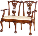 Laurel Crown Chippendale Sette with Ball and Claw Feet