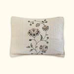 Nostalgia Home Flowering Vine Pillow Sham