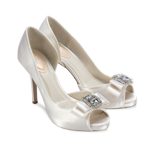 Hot Dyeable Satin Open Toe Shoes