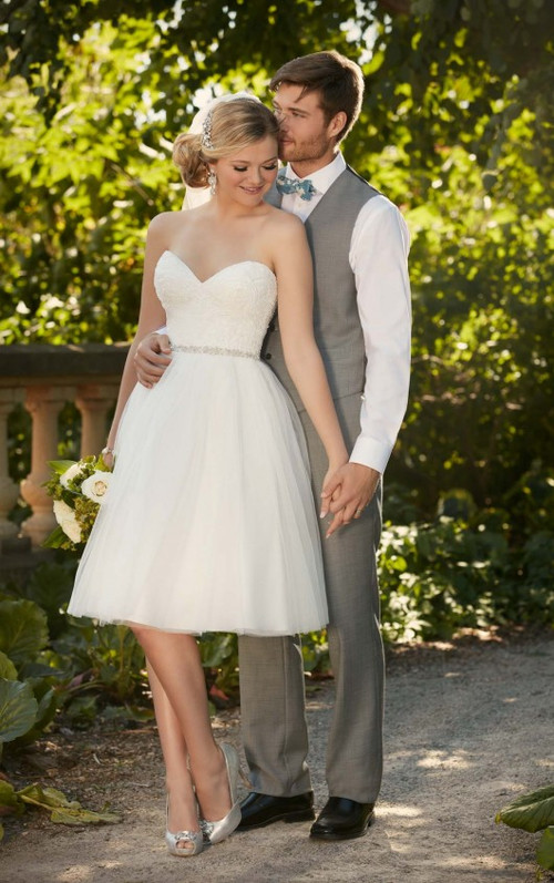 Essense of Australia Wedding Dress D2103
