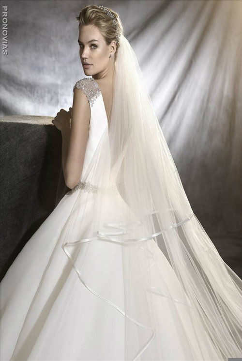 Pronovias Wedding Dress Ovidia
