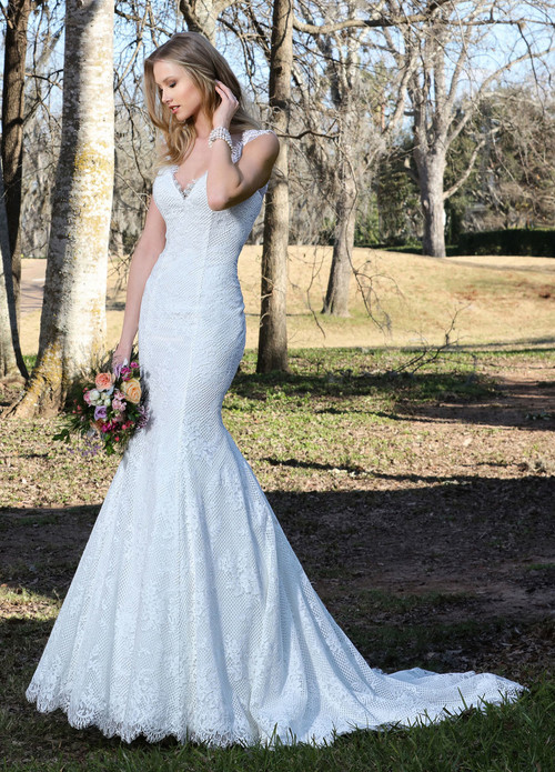 Ashley & Justin Wedding Dress 10423