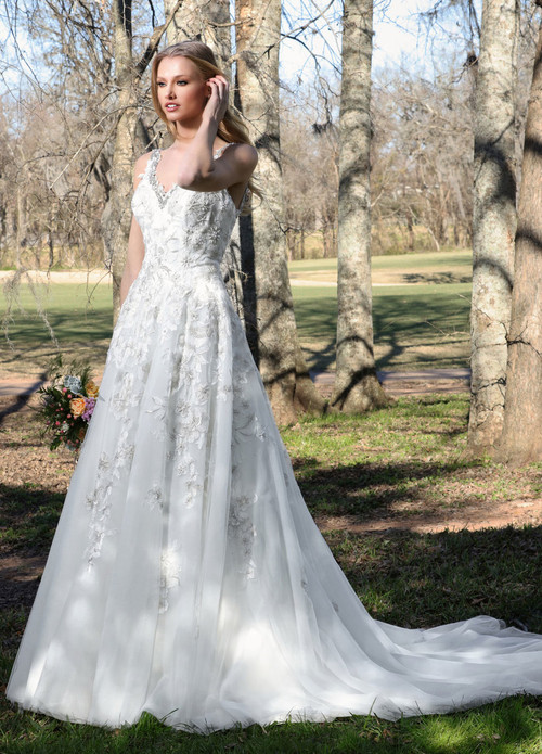 Ashley & Justin Wedding Dress 10424