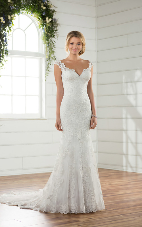 Essense of Australia Wedding Dress D2320