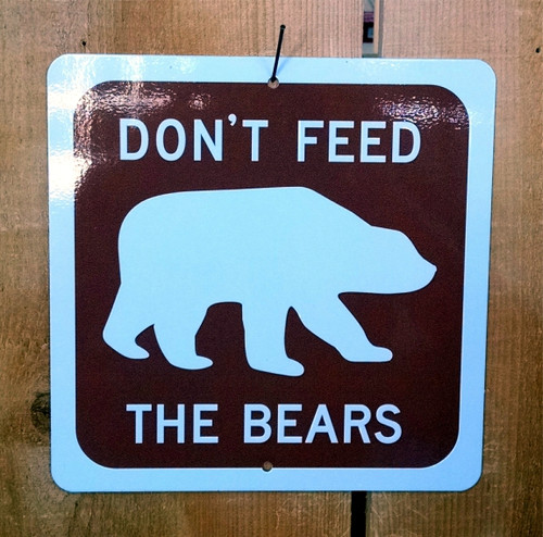 Don't Feed Bears Recreation Symbol Sign