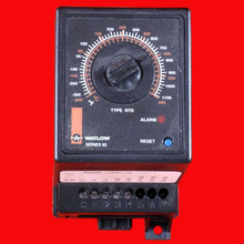WATLOW TEMPERATURE CONTROLLER, -300 TO 1100, WITH MANUAL RESET