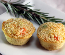 Lobster in a béchamel sauce with carrots, peas and shallots, topped with buttered bread crumbs and presented in our savory handmade cup.   Units/case: 100