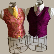 INVESTMENT VEST LADIES- PLEASE SCROLL DOWN FOR DESCRIPTION AND SIZING