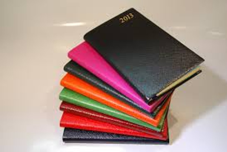 D753  WEEKLY 5X3 CROSS GRAIN  LEATHER DIARY