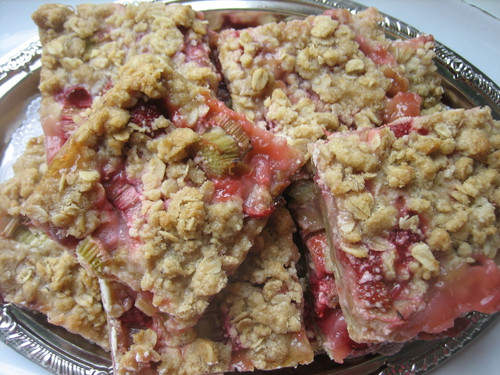 Strawberry Rhubarb Oat Bars
