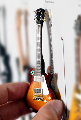 "Rock and Roll History V13 Jimmy Zeppelin Sunburst 4"" Miniature Guitars with Magnet Visual Compendium of Guitar"