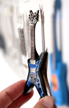 "Rock and Roll History V61 Dimebag Darrell Pantera Lighning From H Blue 4"" Miniature Guitar with Magnet Visual Compendium of Guitar"