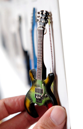 "Rock and Roll History V63 Flattus Maximus Gwar Diamond 4"" Miniature Guitar with Magnet Visual Compendium of Guitar"