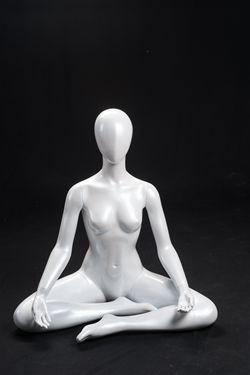 Dana, Gloss White Abstract Seated Yoga Egg Head Female Mannequin MM-YOGA1W