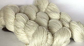 Fyberspates Scrumptious Double Knitting/Worsted Yarn in Natural