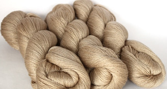 Fyberspates Scrumptious Lace Weight Yarn in Oyster