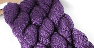 Fyberspates Scrumptious Double Knitting/Worsted Yarn in Purple