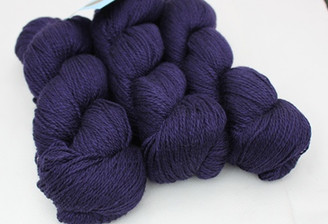 Fyberspates Scrumptious 4-ply Yarn in Ysolda colour of  Dandelion and Burdock