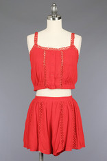 red woven set