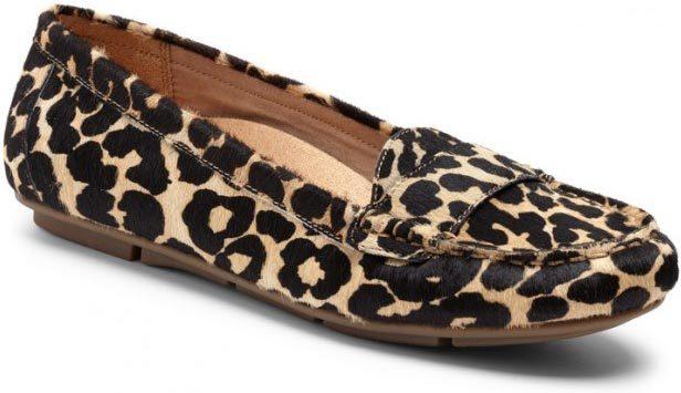 Vionic Larrun in Tan Leopard